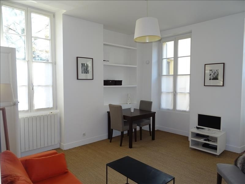Location appartement Versailles 1 200€ CC - Photo 1