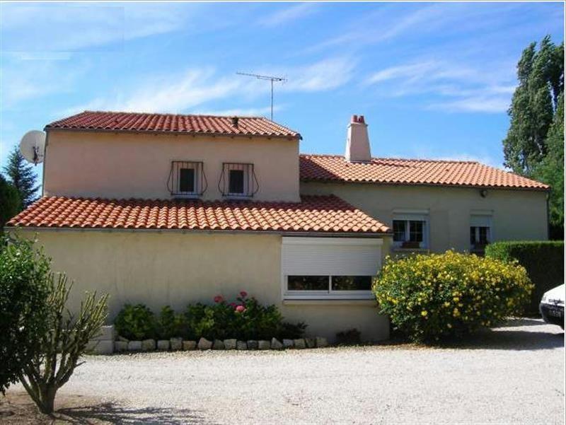 Sale house / villa Lussant 274300€ - Picture 3
