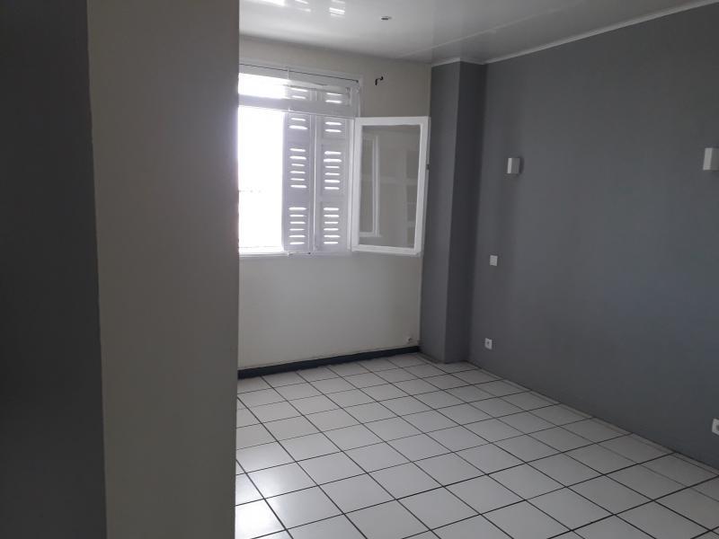 Location appartement St pierre 800€ CC - Photo 4