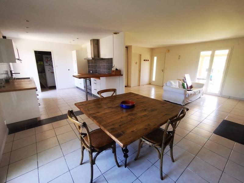 Sale house / villa St laurent d'arce 242500€ - Picture 2