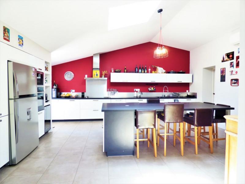 Deluxe sale house / villa Izon 650000€ - Picture 4