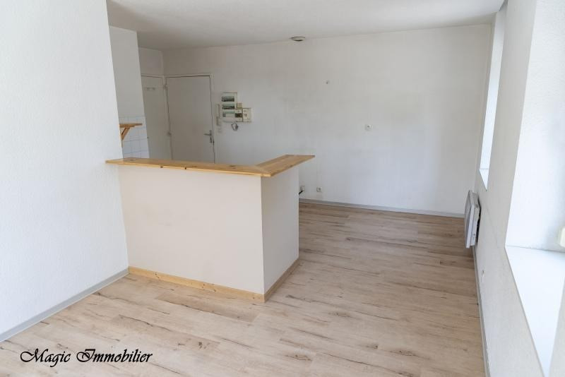 Location appartement Pont-d'ain 374€ CC - Photo 3
