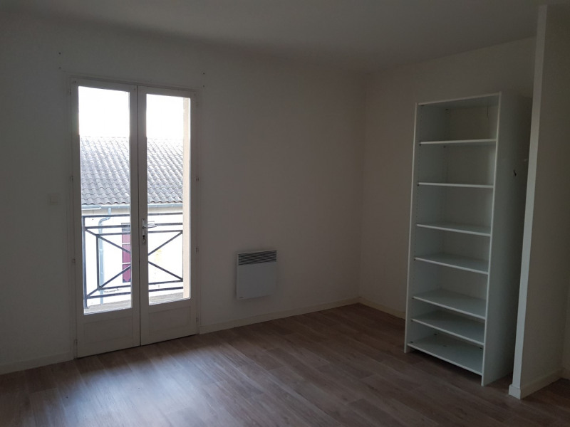 Location maison / villa Castres-gironde 740€ CC - Photo 17
