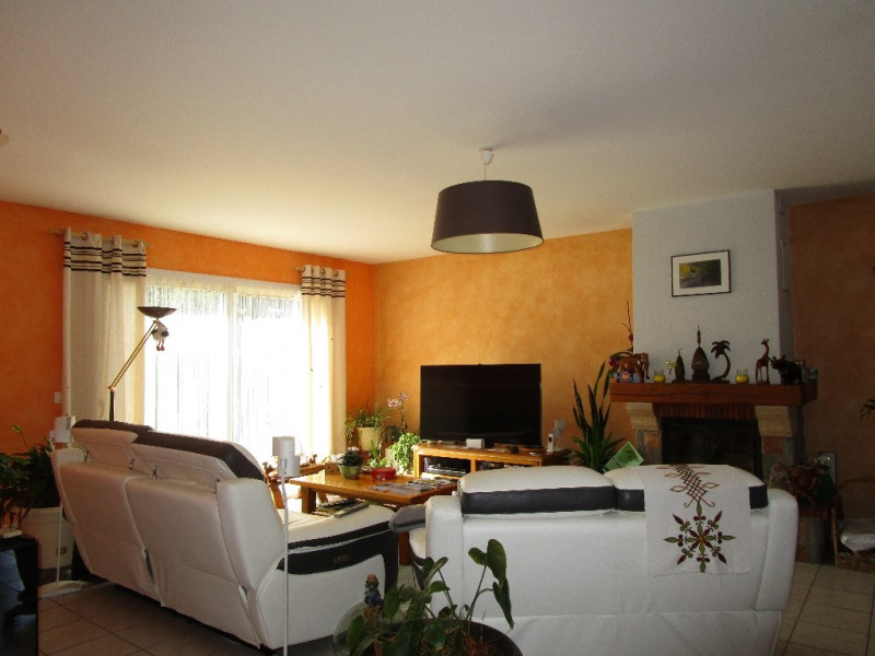 Sale house / villa Azay le brule 239 900€ - Picture 5