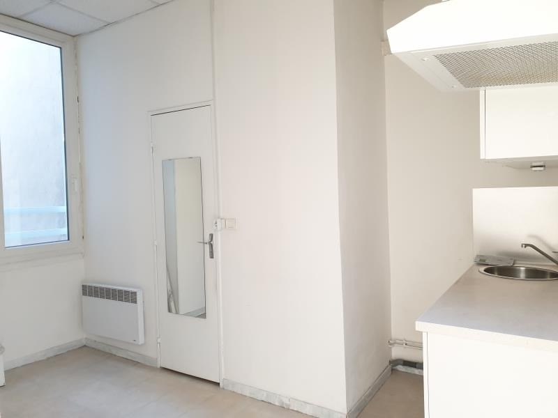 Rental apartment Marseille 1er 531€ CC - Picture 2