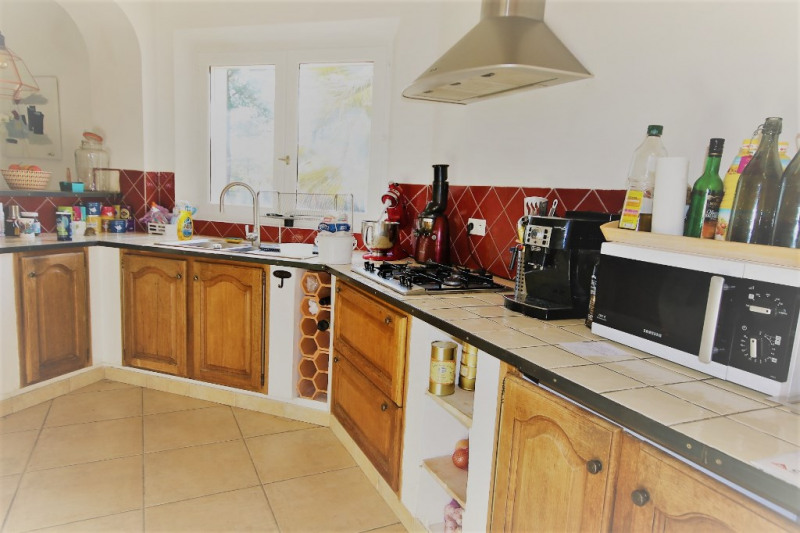 Rental house / villa Meyrargues 2 900€ CC - Picture 3