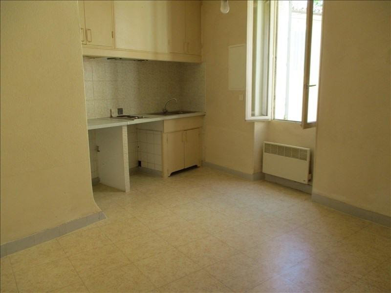 Rental apartment Salon de provence 463€ CC - Picture 1