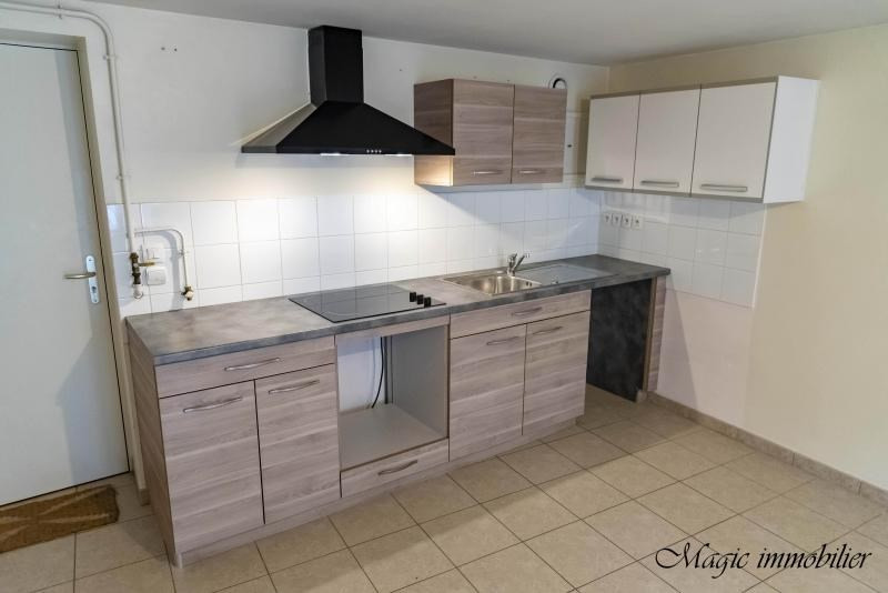 Rental apartment Nantua 447€ CC - Picture 3