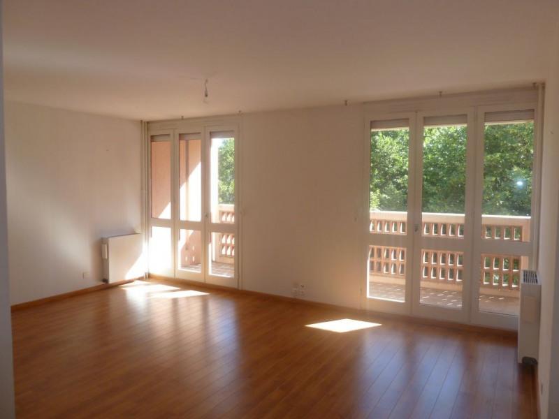 Rental apartment Aureville 776€ CC - Picture 1