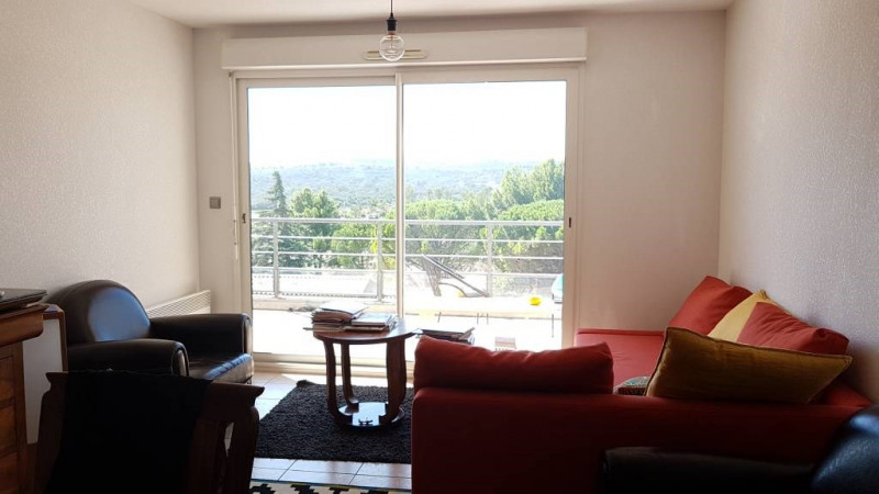 Location appartement Les angles 776€ CC - Photo 1