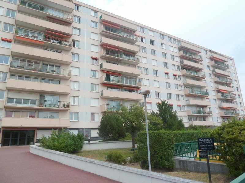 Rental apartment Poissy 664€ CC - Picture 1