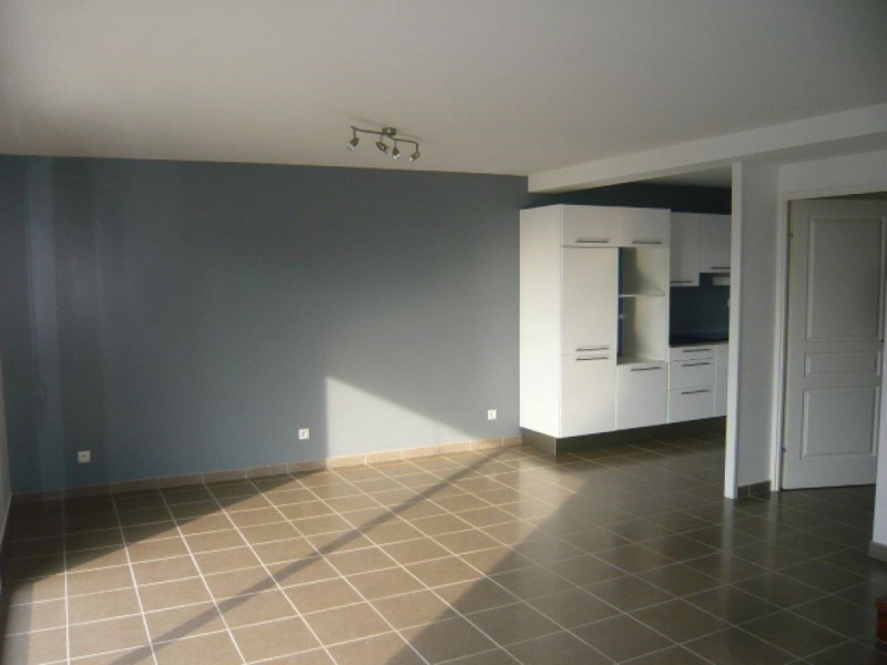 Rental house / villa Strazeele 770€ CC - Picture 1