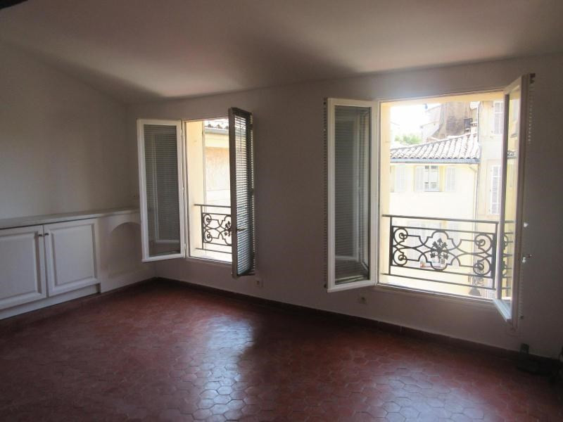 Location appartement Aix en provence 1 050€ CC - Photo 4