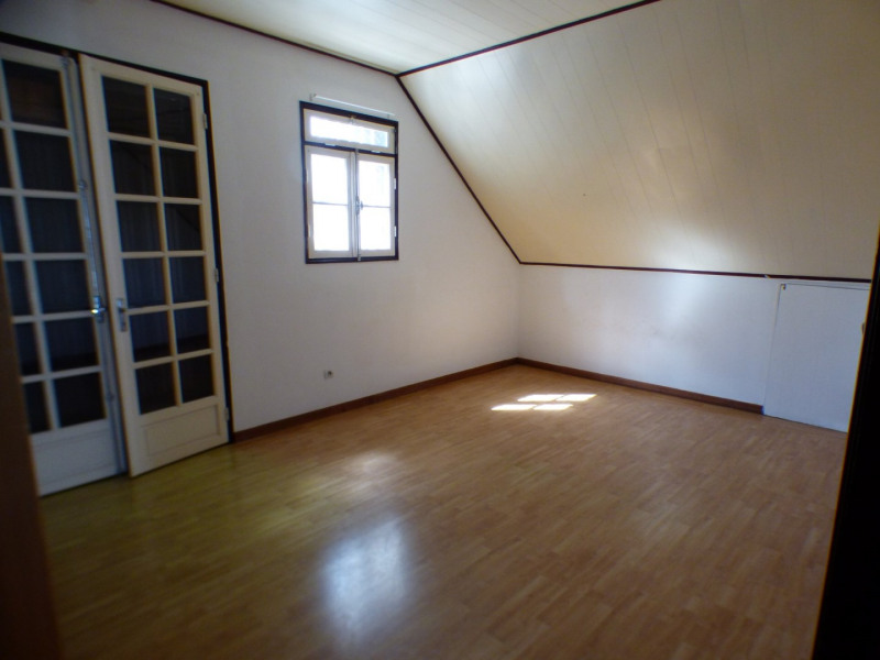 Rental house / villa St louis 1 020€ CC - Picture 5