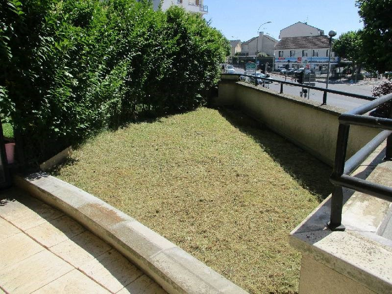Sale apartment Boissy st leger 230 000€ - Picture 3