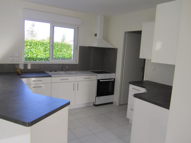 Rental house / villa Barret 640€ CC - Picture 3
