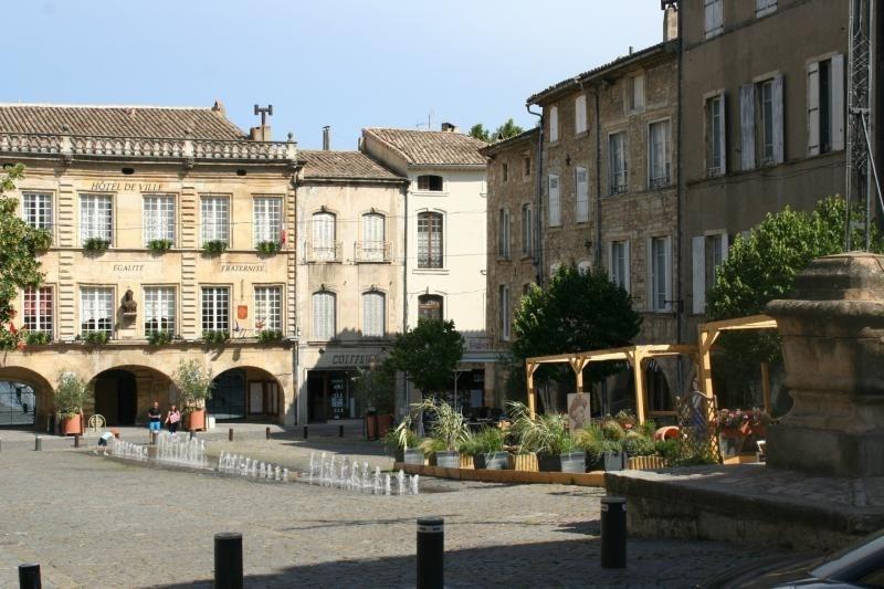 Investment property apartment Bagnols sur ceze 110000€ - Picture 1
