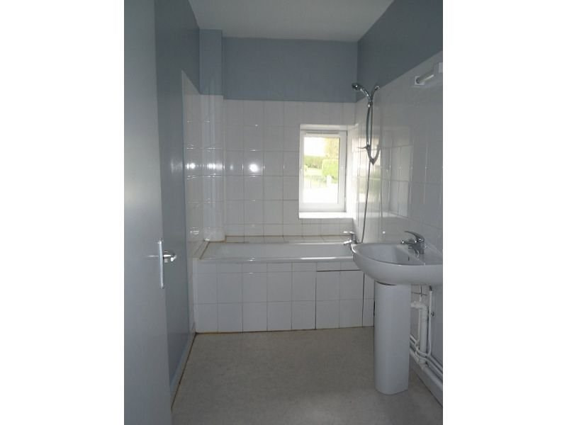 Rental apartment Le chambon sur lignon 540€ CC - Picture 4