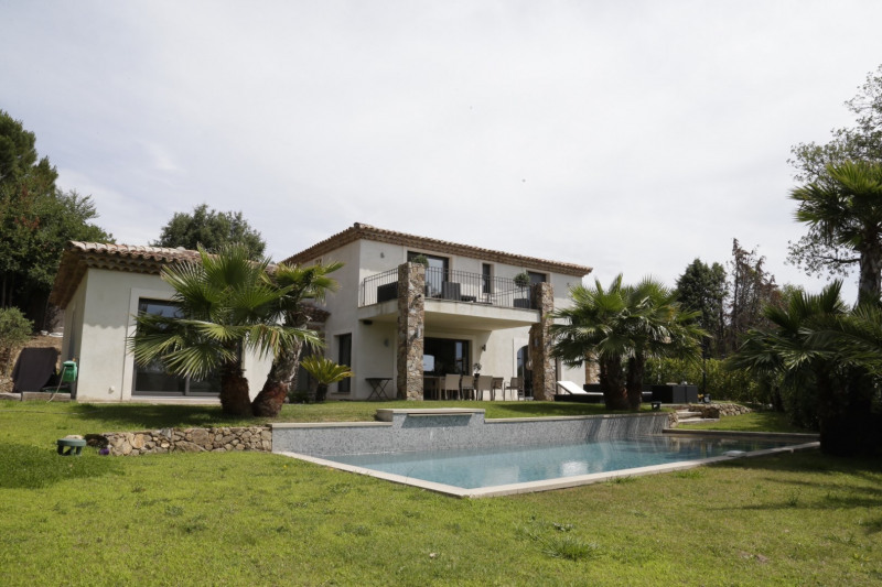 Sale house / villa Grimaud 1 750 000€ - Picture 1