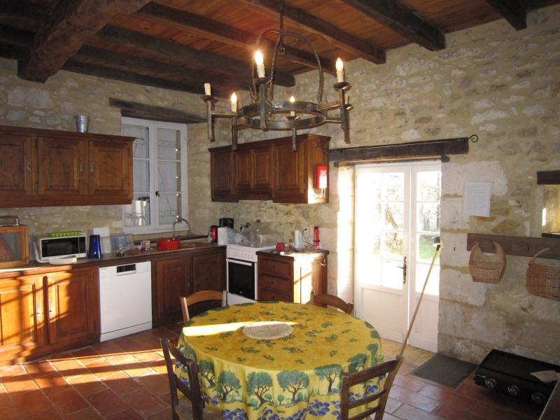 Sale house / villa Castels 390000€ - Picture 2