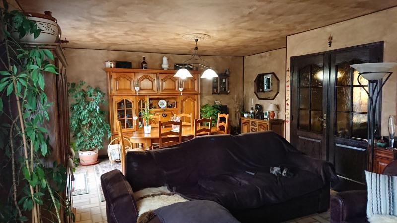 Sale house / villa La ferté-sous-jouarre 230000€ - Picture 2