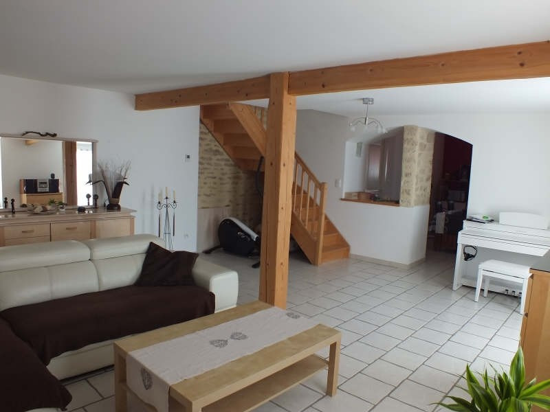 Rental house / villa St androny 635€ CC - Picture 2