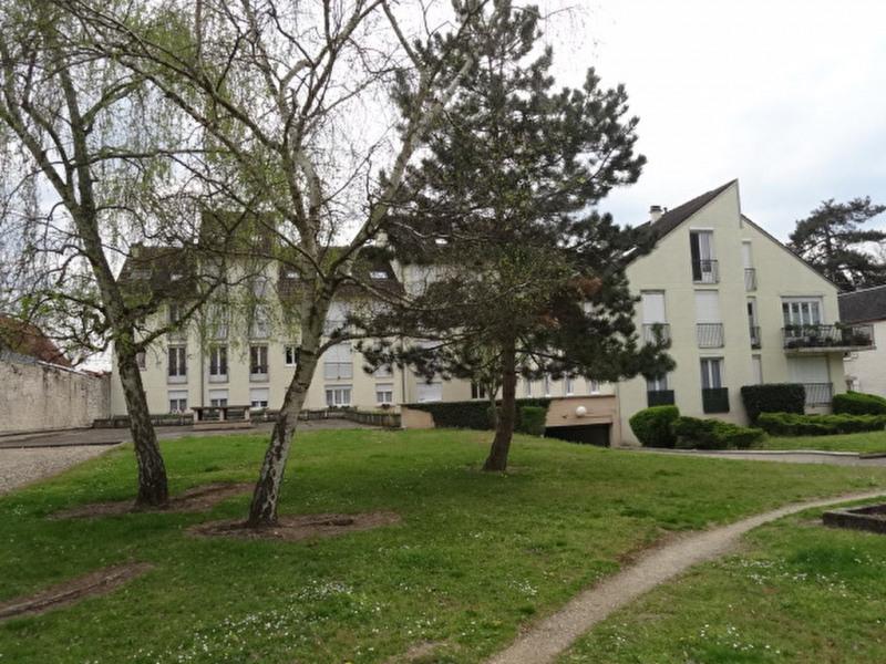 Location appartement Montargis 540€ CC - Photo 1