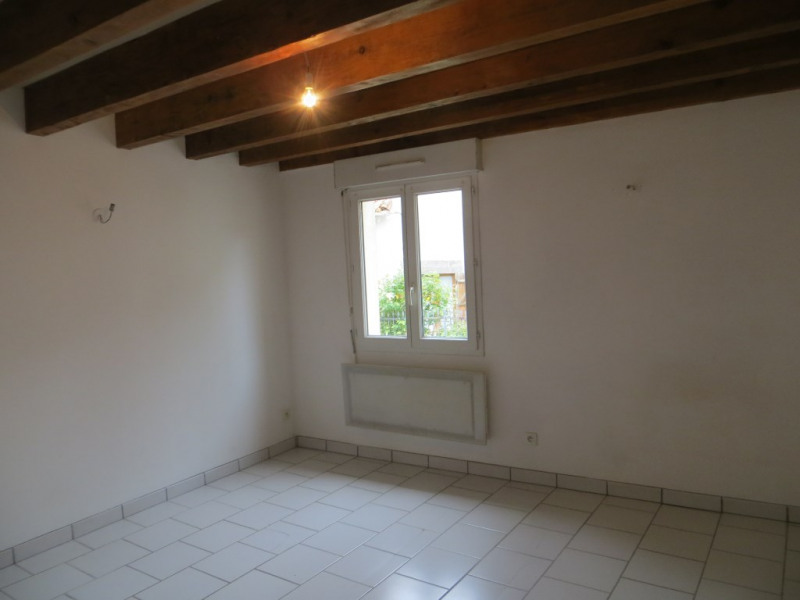 Location maison / villa Vertaizon 440€ CC - Photo 3