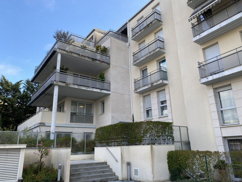Sale apartment Le chesnay 309000€ - Picture 1