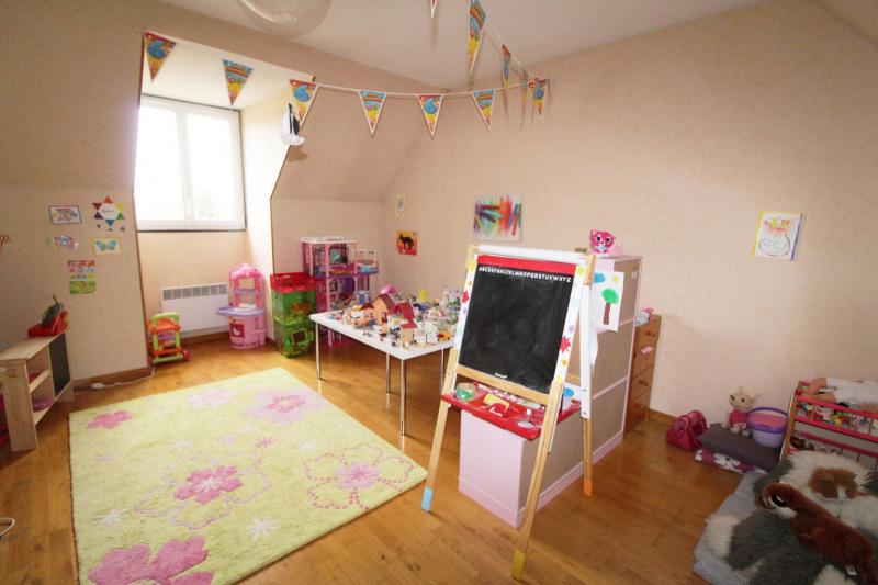 Sale house / villa Elancourt 435000€ - Picture 6