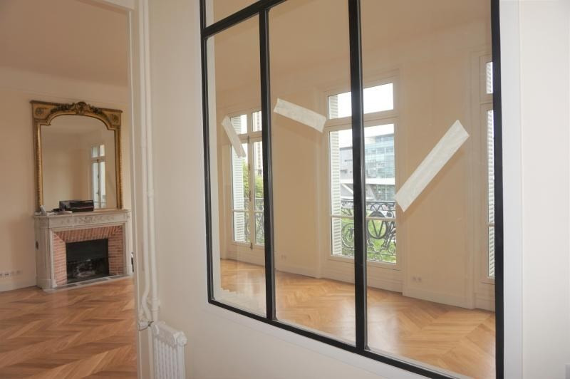 Location appartement Neuilly sur seine 4 600€ CC - Photo 2