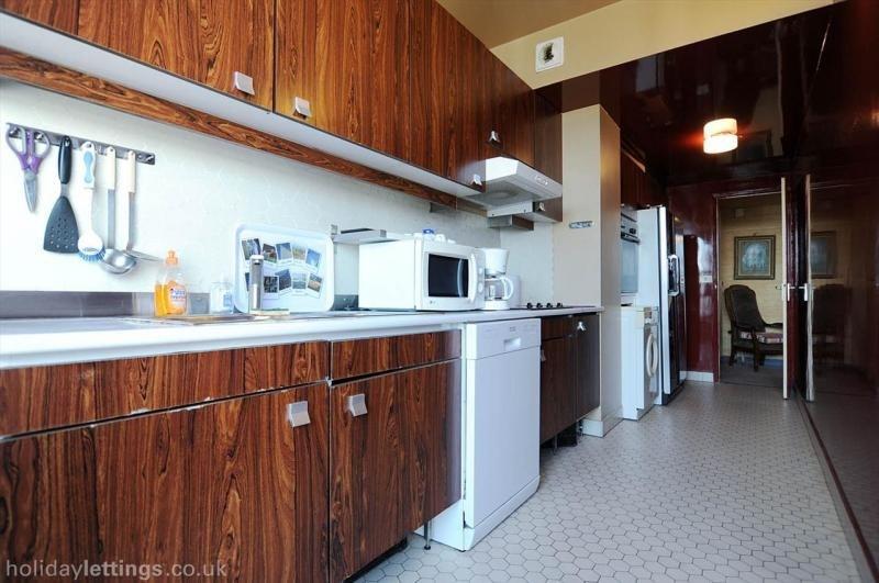 Rental apartment Paris 15ème 3300€ CC - Picture 7