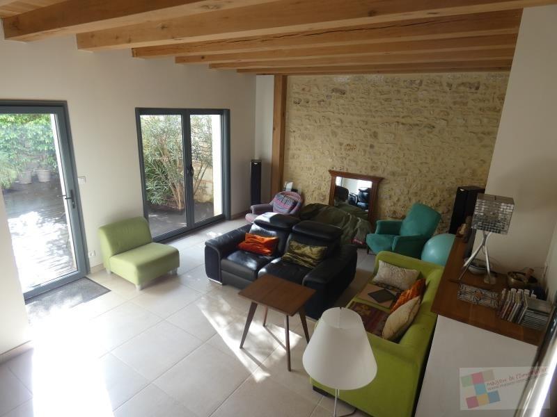 Sale house / villa St sauvant 256800€ - Picture 1