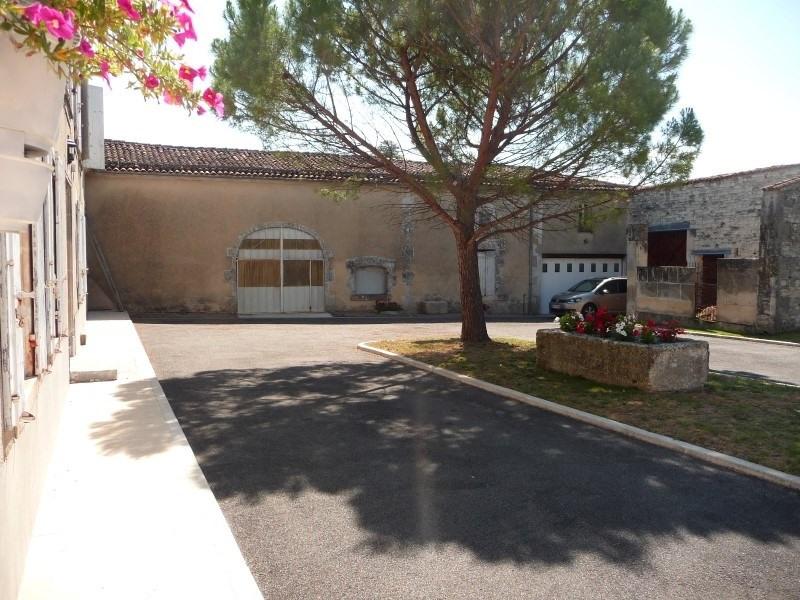 Sale house / villa Merpins 256800€ - Picture 2