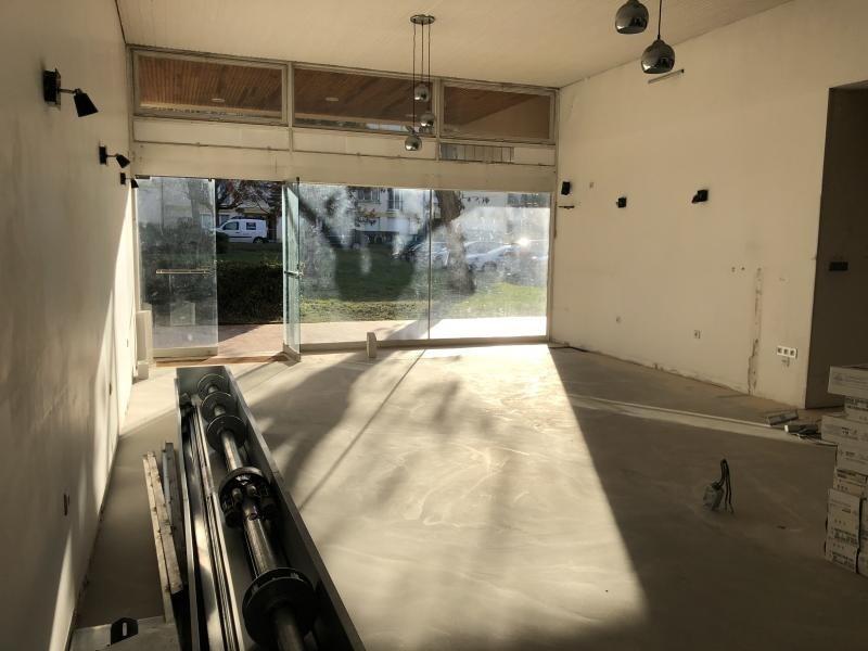 Locação armazém Dourdan 750€ HT/HC - Fotografia 2