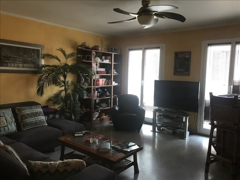 Sale apartment Nimes 128 000€ - Picture 1