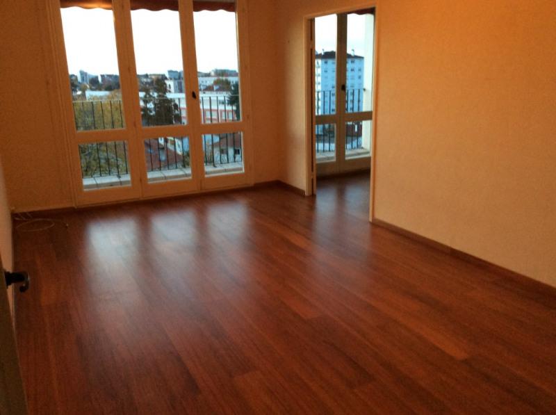 Appartement 64000 3 pièce (s) 56 m²