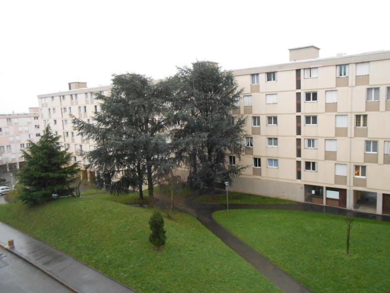Location appartement Oullins 790€ CC - Photo 1