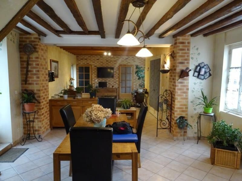 Sale house / villa Chambly 400 000€ - Picture 1