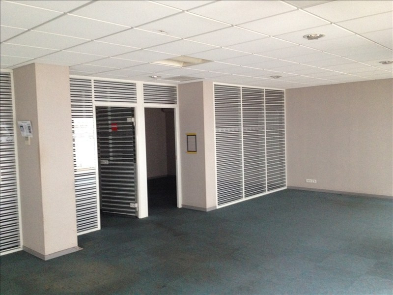 Location local commercial Cholet 1 875€ HT/HC - Photo 4