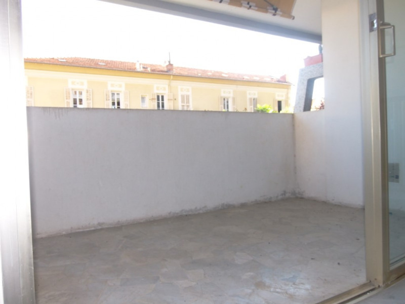 Rental apartment Nice 640€ CC - Picture 2