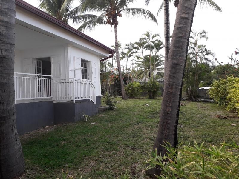 Rental house / villa Grand bois 986€ CC - Picture 10