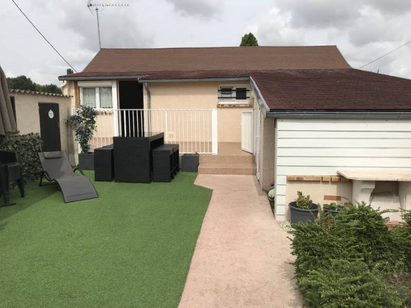 Sale house / villa Ollainville 235000€ - Picture 1