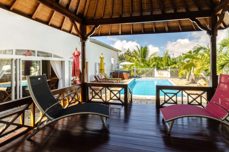 Vente de prestige maison / villa Le tampon 648825€ - Photo 2