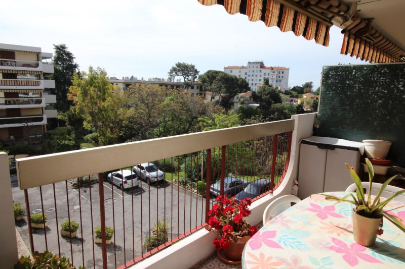 Sale apartment Nice 340 000€ - Picture 1