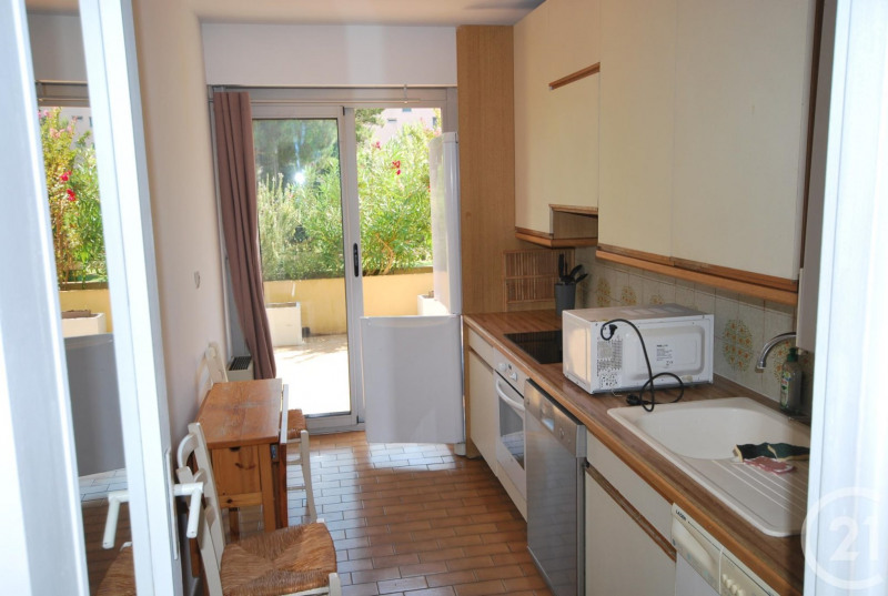 Rental apartment Antibes 810€ CC - Picture 5