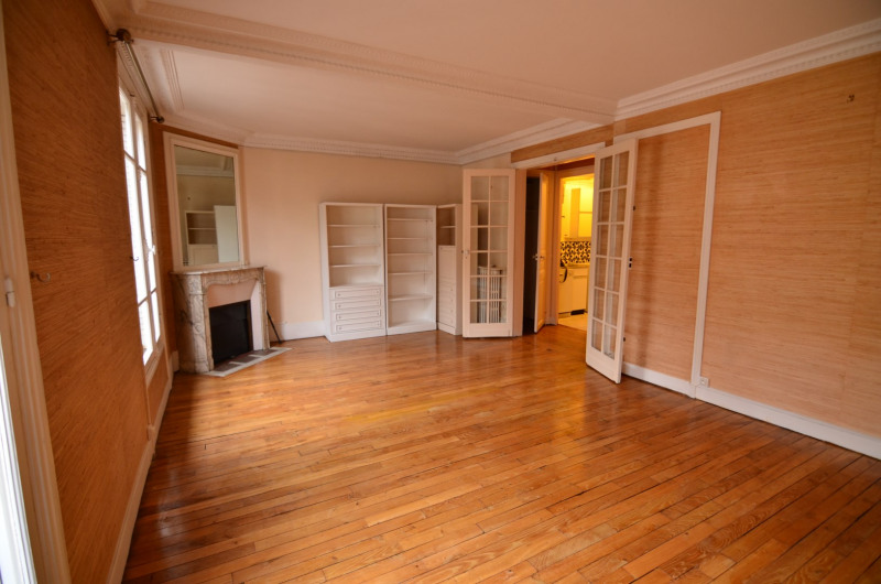 Sale apartment Paris 15ème 558 000€ - Picture 2