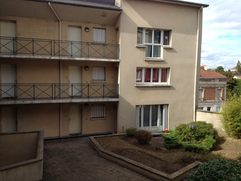 Location appartement Montlhery 553€ CC - Photo 1
