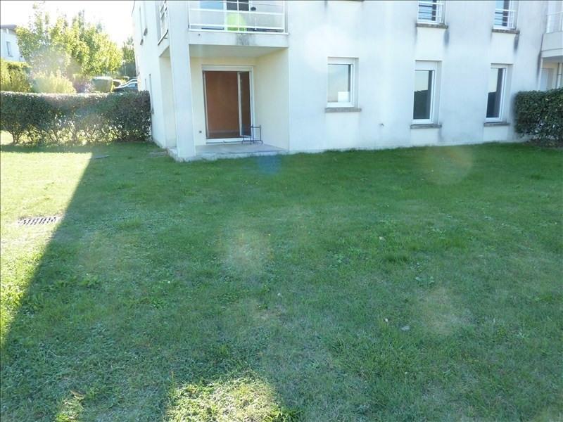 Rental apartment Vendome 523€ CC - Picture 1