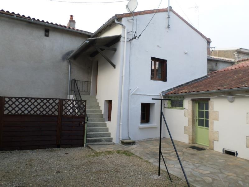 Location maison / villa Lhommaize 570€ CC - Photo 1